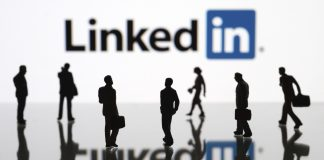 How to form professional and beneficial links on LinkedIn